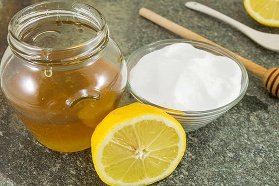Tẩy da chết cho mặt bằng mật ong và banking soda