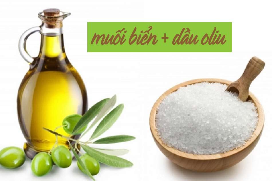 Tẩy da chết cho mặt từ muối biển và dầu oliu